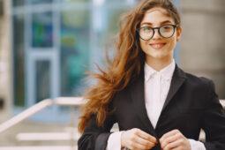 Catat, Ini Fashion Item yang Wajib Anda Miliki Saat Memasuki Dunia Kerja