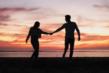 Sedang Menjalani LDR? Ini Tips Menjaga Hubungan Asmara Jarak Jauh
