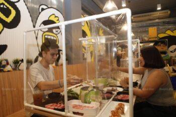 Potensi Virus Corona Ada di Restoran, Hindari dengan Cara Ini