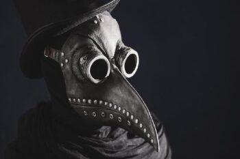 Masker Zaman Dulu: Ada Paruhnya, Diisi Rempah Penghalau Penyakit