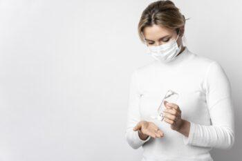 Tips Pakai Hand Sanitizer Agar Tak Berefek Buruk pada Wajah