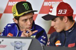 Takhayul di MotoGP: Ritual Celana Dalam Rossi dan Marquez