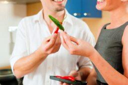 Makin Berumur Ada Risiko Tak Sanggup Makan Makanan Pedas