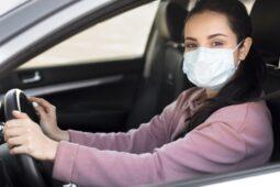 Saat Berkendara Sendirian di Mobil Wajibkah Pakai Masker? Ini Kata Ahli