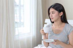 Suka Minum Kopi di Pagi Hari Saat Perut Kosong? Ini Dampaknya