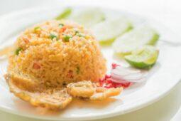 Makan Nasi Goreng dengan Timun Ternyata Berbahaya, Kenapa Ya?