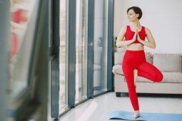 Melakukan Yoga Di Rumah Saja, Simak Tipsnya