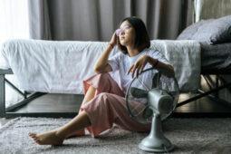 Tidur dengan Kipas Angin Menyala Berbahaya Bagi Kesehatan