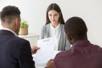 Sebelum melakoni wawancara kerja, tak ada salahnya Anda berlatih terlebih dahulu (ilustrasi Freepik)