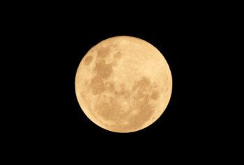 Debu Bulan Dibeli NASA, Harganya Mulai Rp15.000