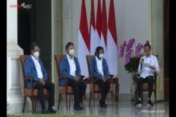 Fakta-Fakta Jaket Biru 6 Menteri Baru, Ternyata Keluaran Brand Asal Jepang