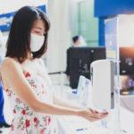 Waspadai Efek Hand Sanitizer Pencet pada Mata Anak