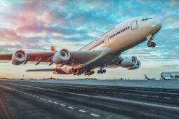 8 Hal Perlu Diketahui Penumpang Sebelum Pesawat Lepas Landas