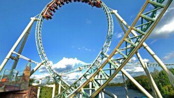 Colossus merupakan salah satu roller coaster dengan lintasan terpanjang (brainberries)