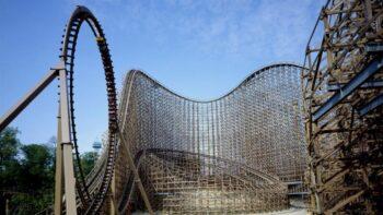 Son of Beast merupakan salah satu roller coaster terpanjang (Liputan6.com)