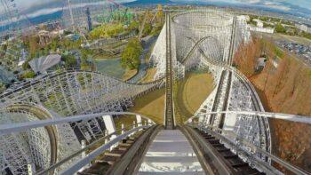 White Cyclon merupakan salah satu roller coaster dengan lintasan terpanjang di dunia (Liputan6.com)