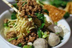 Makanan Ini Dijuluki Dewanya Mi Ayam di Kota Solo, Ini Istimewanya