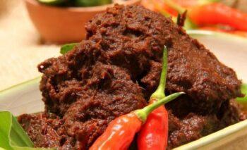 Otentik Banget! Ini Resep Rendang Daging Sapi Khas Padang